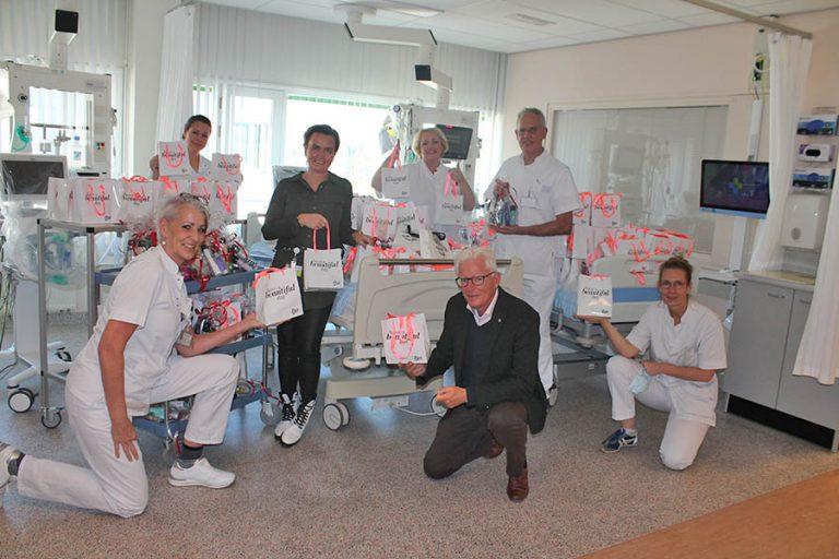 Donatie aan de Intensive Care-afdeling van het LangeLand ziekenhuis